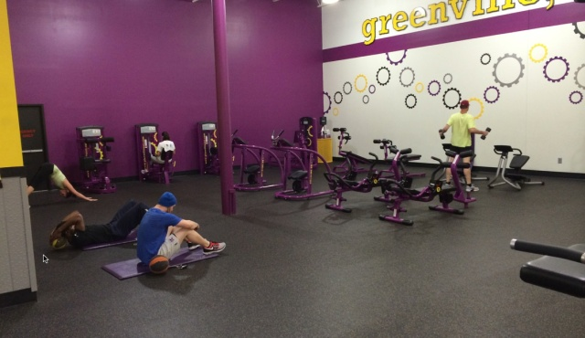 Planet Fitness has correctable  issues of engagement and sanitation