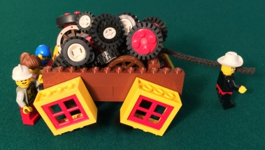 •Square Wheels One LEGO MAIN short